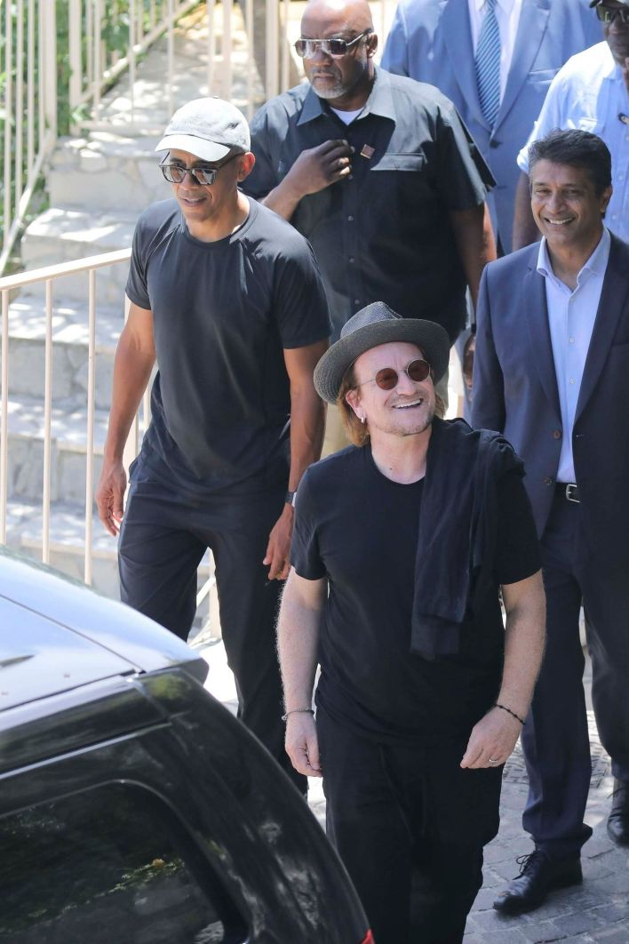 Obama y Bono en Francia (The Grosby Group)