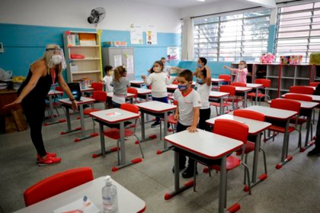 Los niños representan menos del 2% de los casos de COVID-19: EFE/Fernando Bizerra