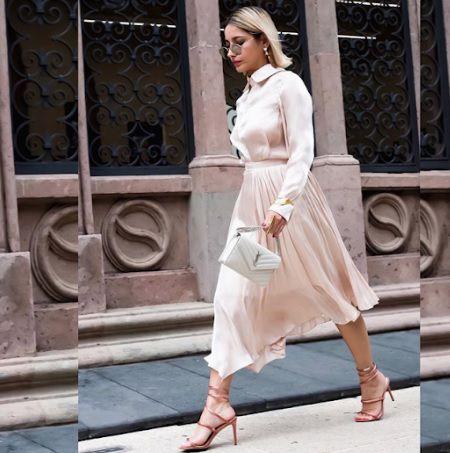 """Michelle Aubert lució durante uno de los desfiles un """"total look"""" en color blanco marfil (Foto: Instagram @michelleaubertm)"""