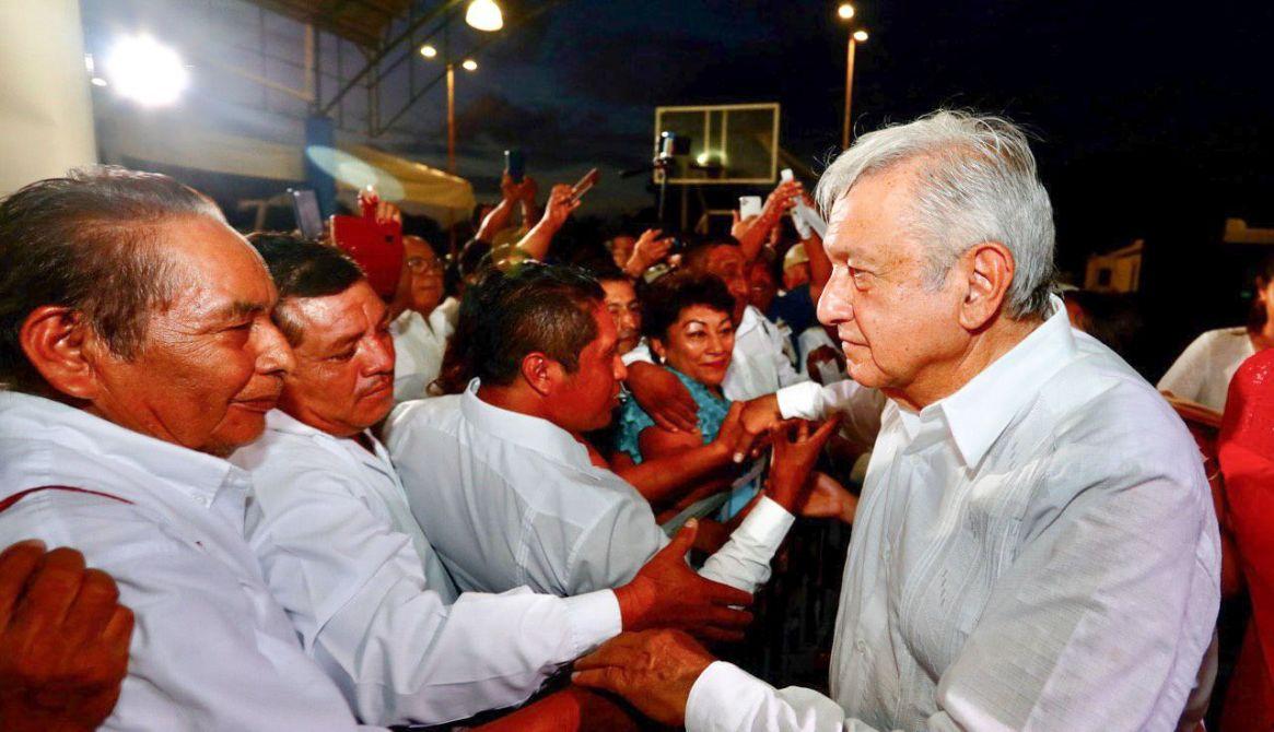 Ejidatarios de Felipe Carrillo Puerto acudieron al evento de López Obrador para pedirle indemnización por tierras  (Foto: Elizabeth Ruiz/Cuartoscuro)
