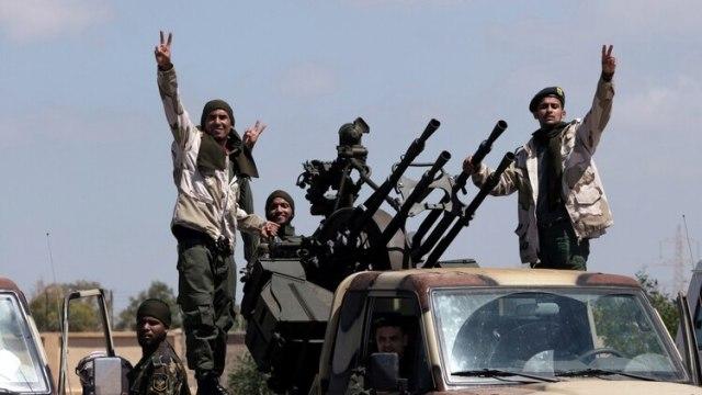 Miembros de las fuerzas del mariscal Jalifa Haftar. (Reuters)