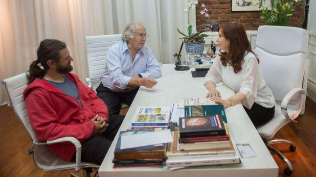 Juan Grabois y Cristina Kirchner, junto con Adolfo Pérez Esquivel