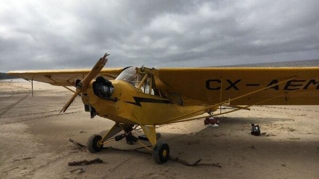 Al momento del accidente, el piloto logró llegar a la costa, pero González Foretic resultó desaparecido y su cuerpo sin vida se halló tiempo después (AFP)