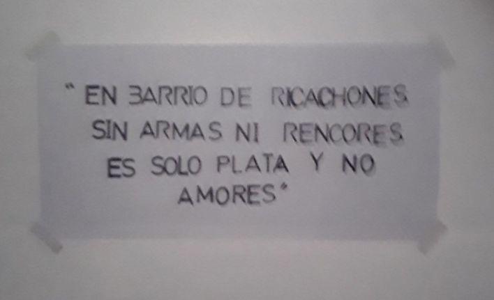 El famoso cartel que halló la policía en la bóveda fue escrito por Araujo.