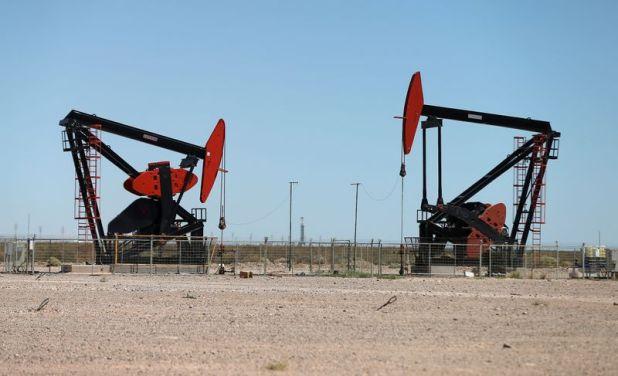 El sector petrolero y la explotación en Vaca Muerta están sufriendo un doble impacto: el coronavirus y el desacuerdo entre Arabia y Rusia. REUTERS