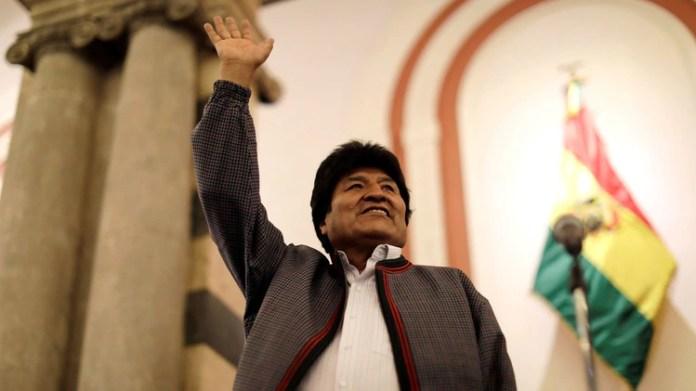 Morales se proclamó ganador en primera vuelta a pesar de la irregularidades denunciadas por la misión de observación electoral de la OEA, entre otros (Reuters)