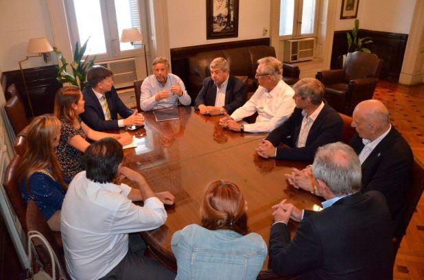 Diputados de la UCR recibieron en la Cámara baja al ex secretario de Salud, Adolfo Rubinstein