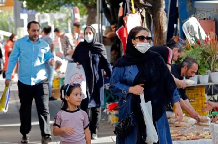 Si bien la cuarentena no fue tan estricta en el país, la reapertura trajo un nuevo pico de contagios (AFP)