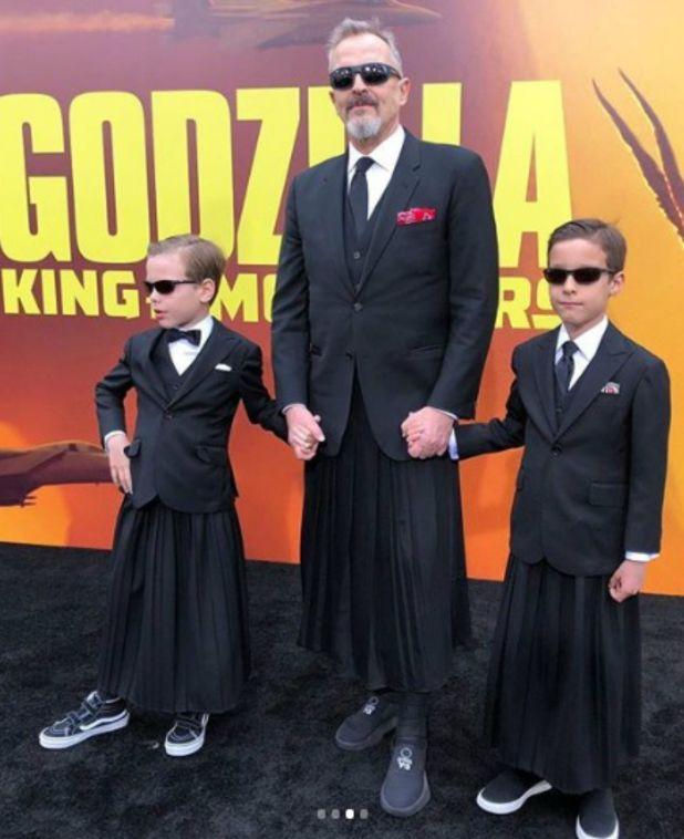 Los tres portaron falda y coordinaron su look para el evento (Instagram: miguelbose)