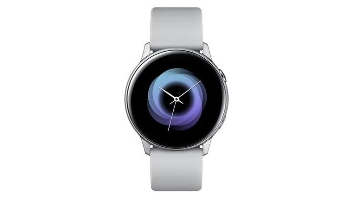 El reloj Samsung Galaxy Watch Activetiene sensor de ritmo cardíaco, monitorea el estrés, es resistente al agua (50 metros de profundidad) y funciona con Bixby.