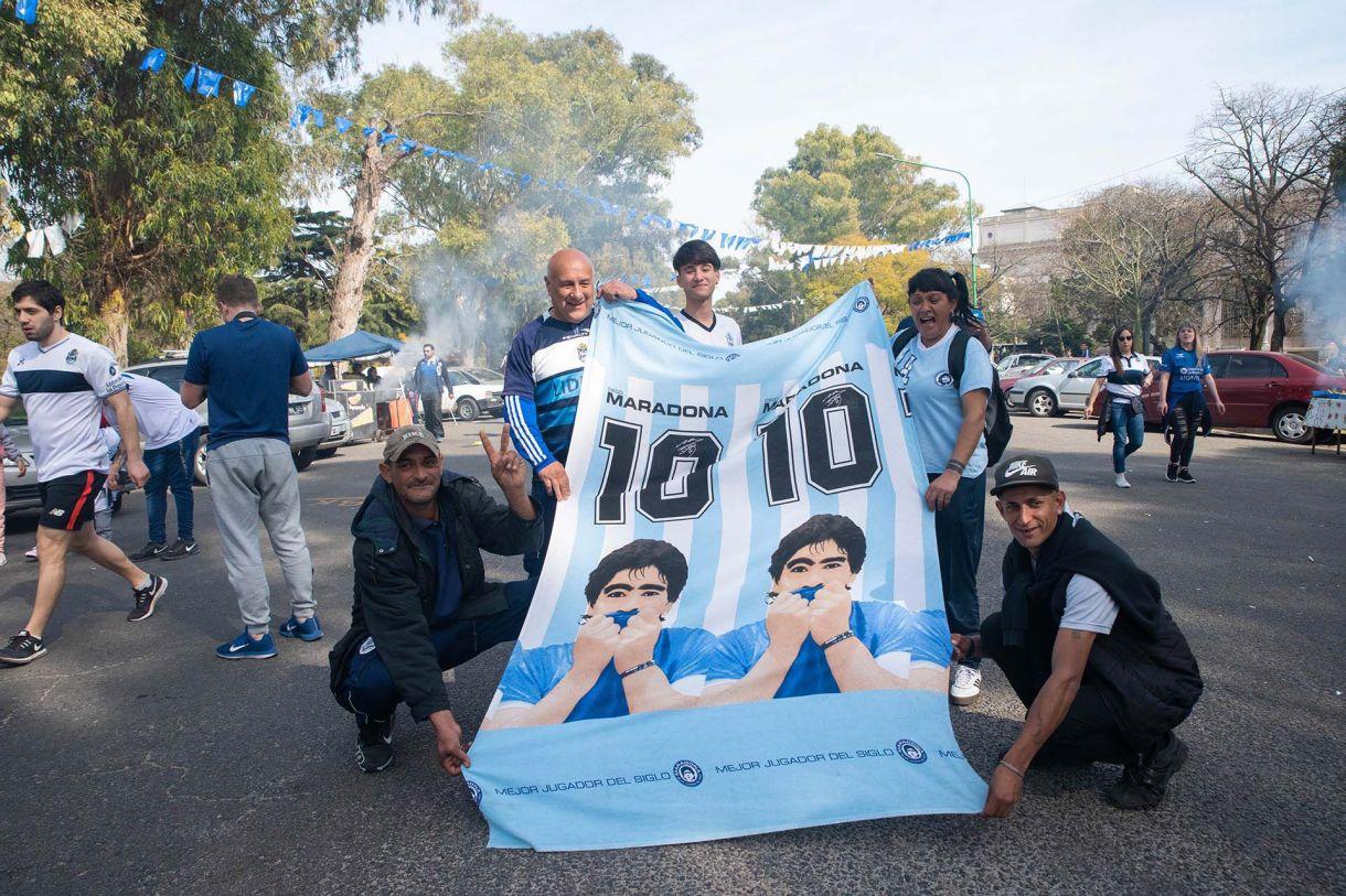 El 10, el nuevo número que se muestra en La Plata. (Franco Fafasuli)