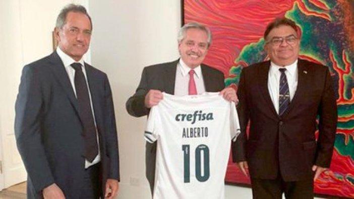 El presidente Alberto Fernández; el embajador argentino en Brasil, Daniel Scioli; y el almirante Flavio Viana Rocha, secretario de Asuntos Estratégicos y mano derecha de Jair Bolsonaro