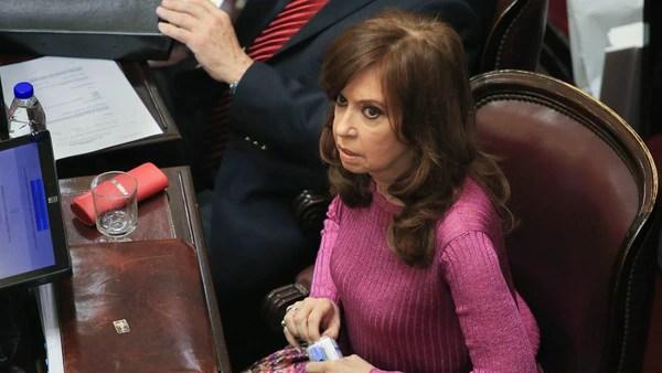 La senadora Cristina Kirchner fue citada a indagatoria (NA)