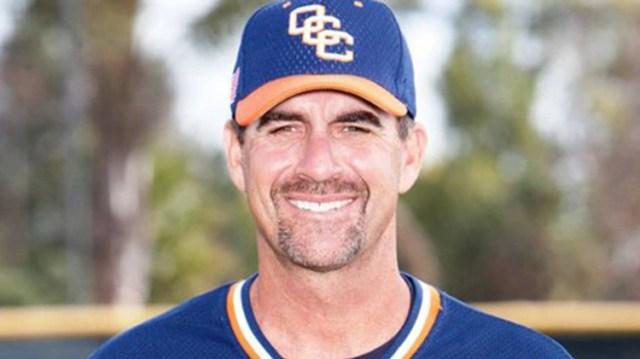 John Altobelli era entrenador de baseball estudiantil