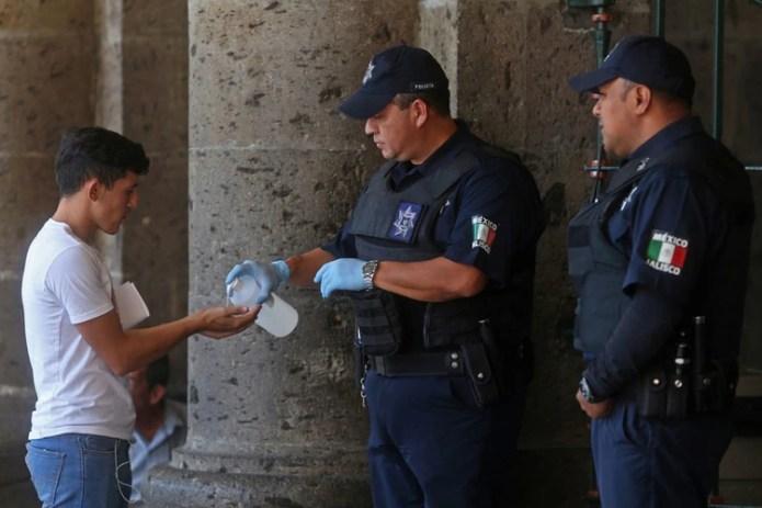 Coronavirus en México: podrán equipar a policías con Fondo de ...