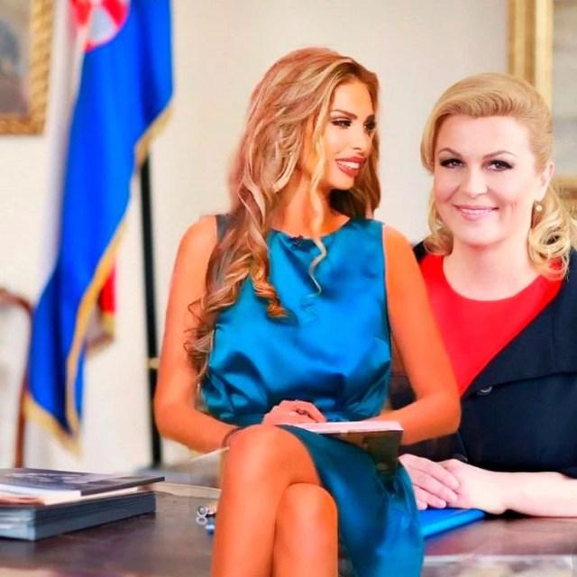 Karabatic junto a una foto con la actual presidente Kolinda Grabar-Kitarovic(@ava_karabatic_official)
