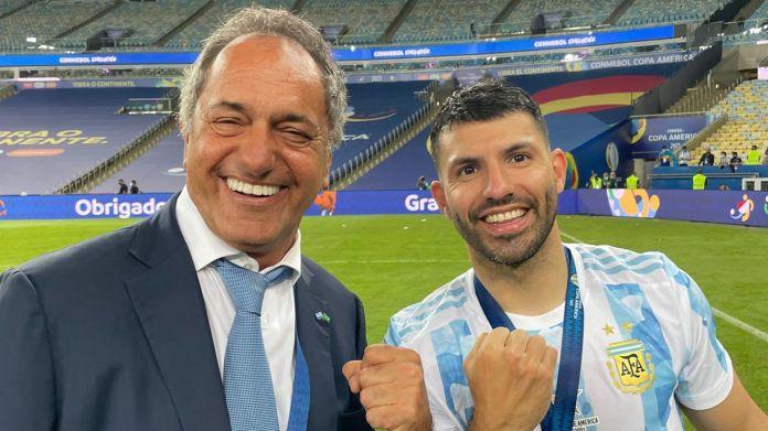 Daniel Scioli con la Selección en el Maracaná