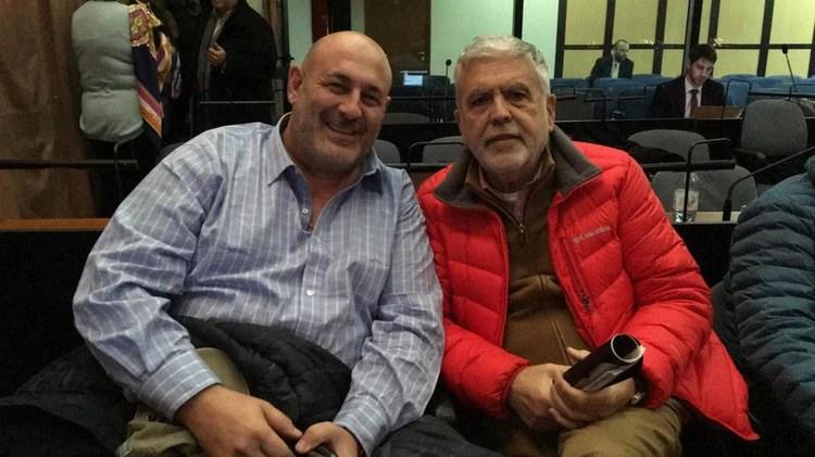 Santiago Cúneo junto a Julio de Vido en los Tribunales de Comodoro Py