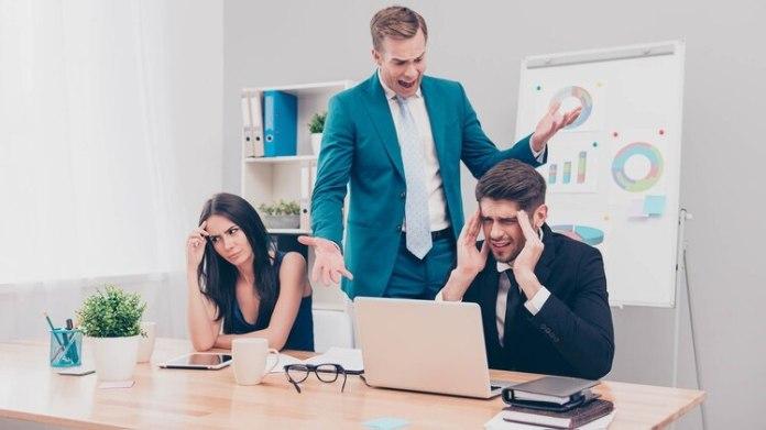 No estar cómodos en la oficina se convierte en un problema enorme que debe resolverse urgentemente (Shutterstock)