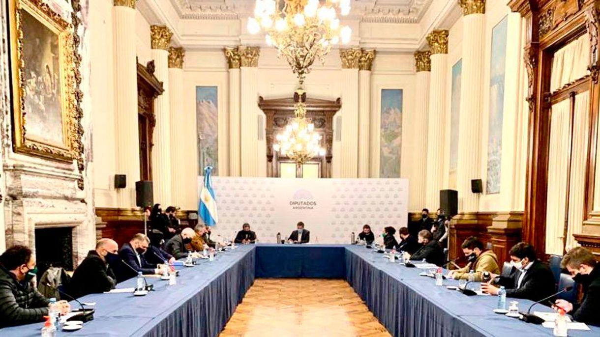 Sindicatos y movimientos sociales se reunieron con Sergio Massa en la Cámara de Diputados para presentarle su plan de reactivación