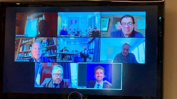 Representantes de la CGT, la UIA y el Gobierno, en uno de los encuentros virtuales realizados el año pasado