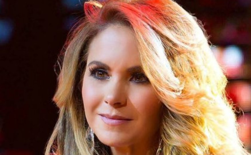 The singer has faced various controversies in her career, such as that time when one of her bodyguards threatened the press with a gun in hand (IG: luceromexico)
