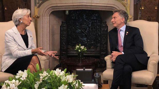 En abril de 2018, ante el abrupto retiro del crédito privado, Macri corrió a los brazos (o mejor dicho, a los bolsillos) del Fondo. Aquí, con la entonces directora-gerente, la francesa Christine Lagarde