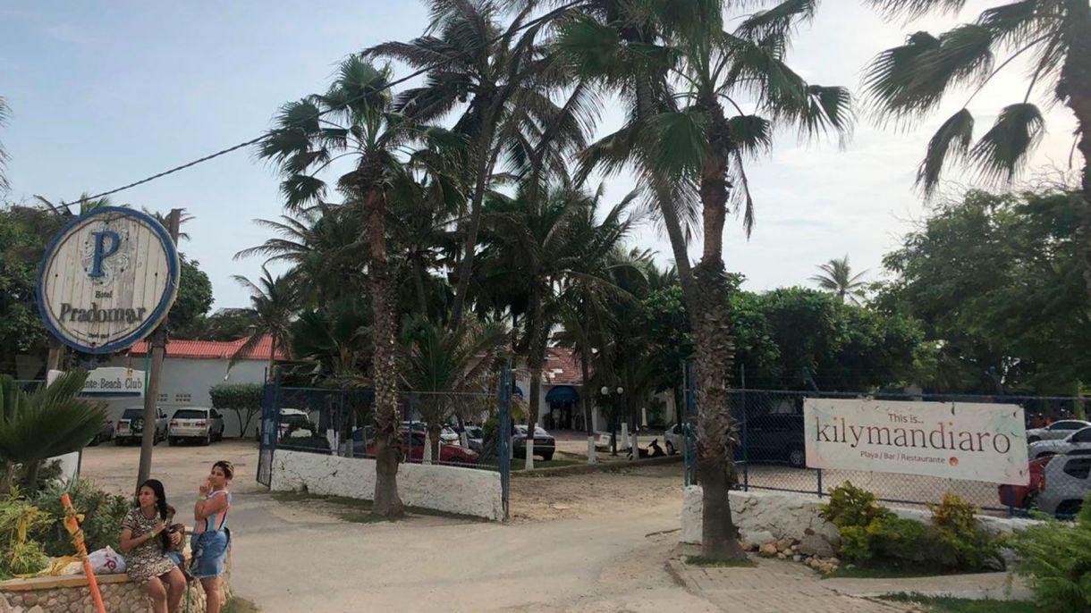 Entrada de Kilymandiaro, el bar en Puerto Colombia donde fue el after del concierto y donde se conocieron Shakira y Gustavo Cerati.