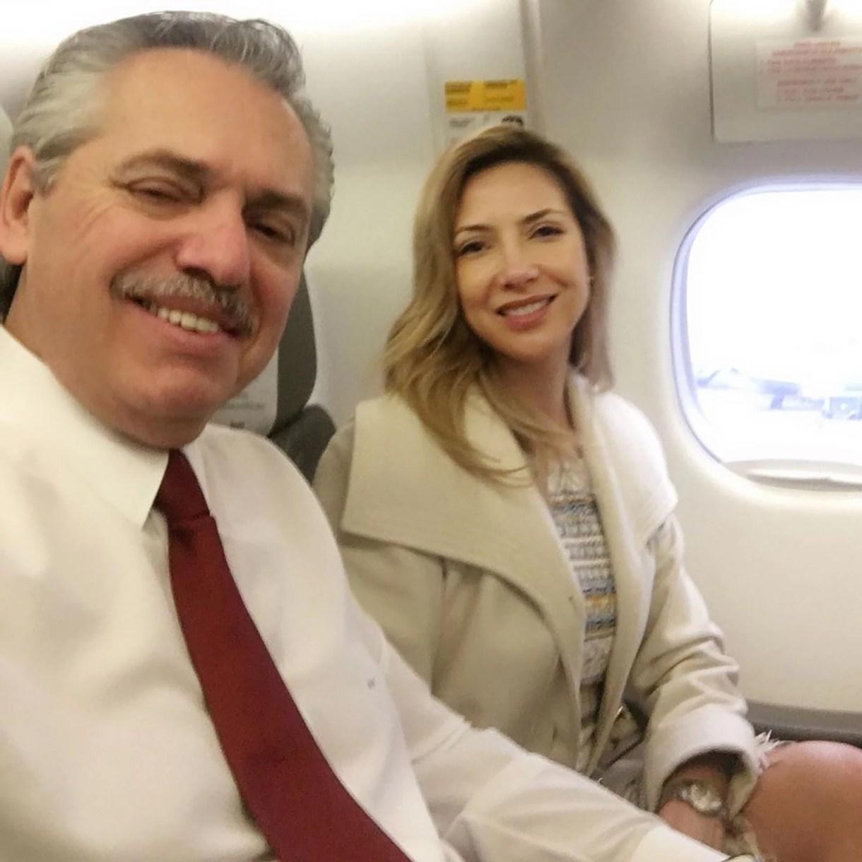 Alberto Fernández viajó a Madrid con su pareja Fabiola Yáñez