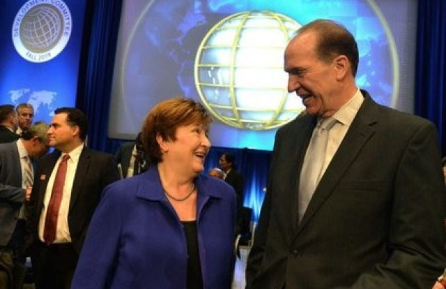 Kristalina Georgieva y David Malpass, en una reunión en 2019 (Foto: REUTERS/Mike Theiler)