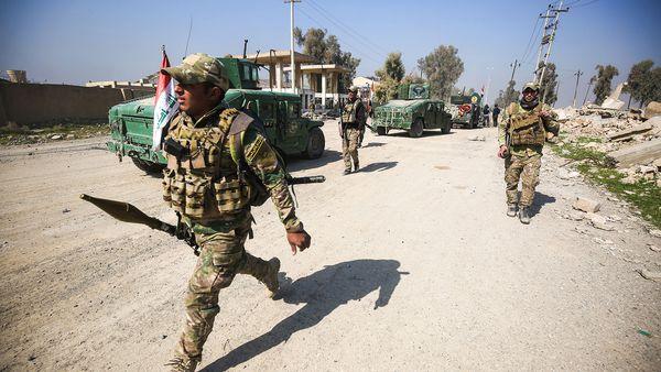 El ejercito iraquí lucha para expulsar a ISIS de la parte oriental de Mosul (AFP)