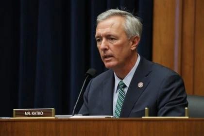 """El representante John Katko, el primer republicano en la Cámara Baja en comprometerse a votar el """"impeachment"""""""