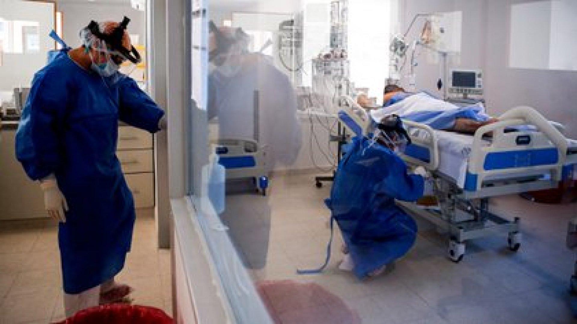 La situación en las terapias se agravó en los últimos días (EFE/Juan Ignacio Roncoroni/Archivo)