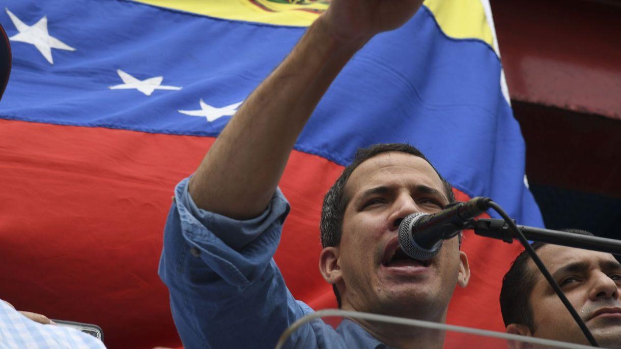Juan Guaidó participará de un evento paralelo a la Asamblea General de la ONU (Photo by Yuri CORTEZ/AFP)