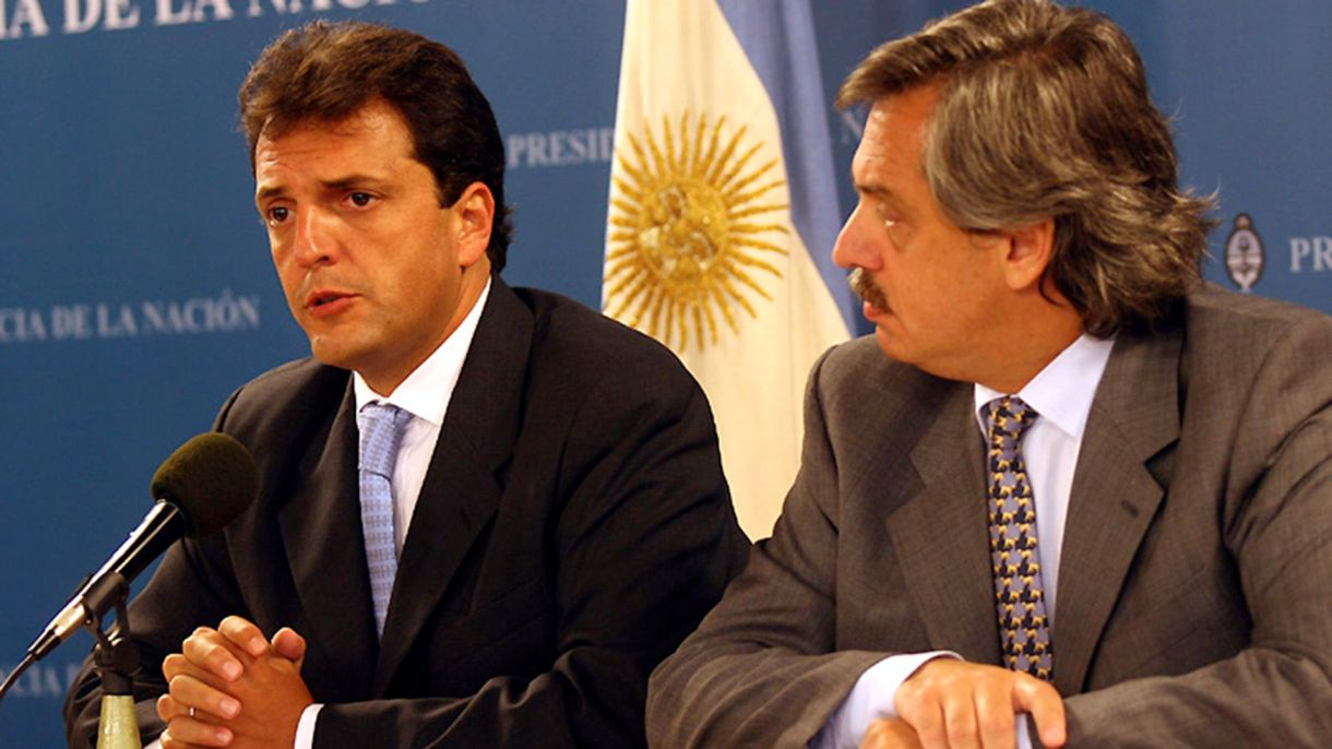 Sergio Massa y Alberto Fernández cuando ambos formaban parte del primer gobierno de Cristina Kirchner (DYN)