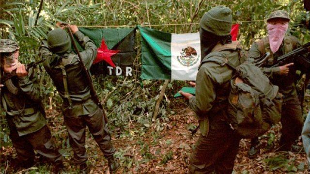 EL EPR durante una de sus apariciones públicas en Guerrero. (Foto: Cuartoscuro)