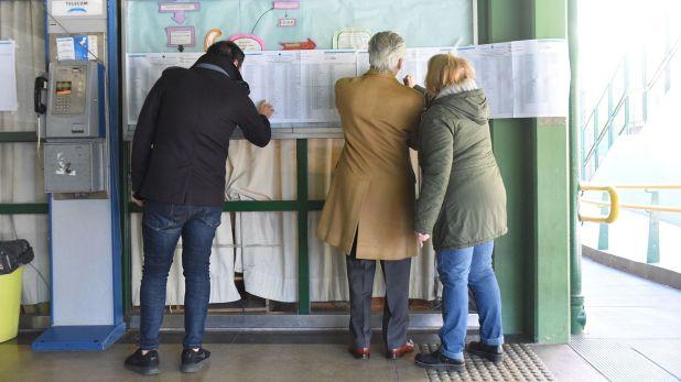 Para votar se necesita el documento de identidad y estar inscripto en el padrón.