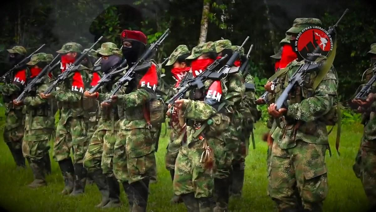 El grupo terrorista ELN liberó a tres personas secuestradas en una zona fronteriza con Ecuador