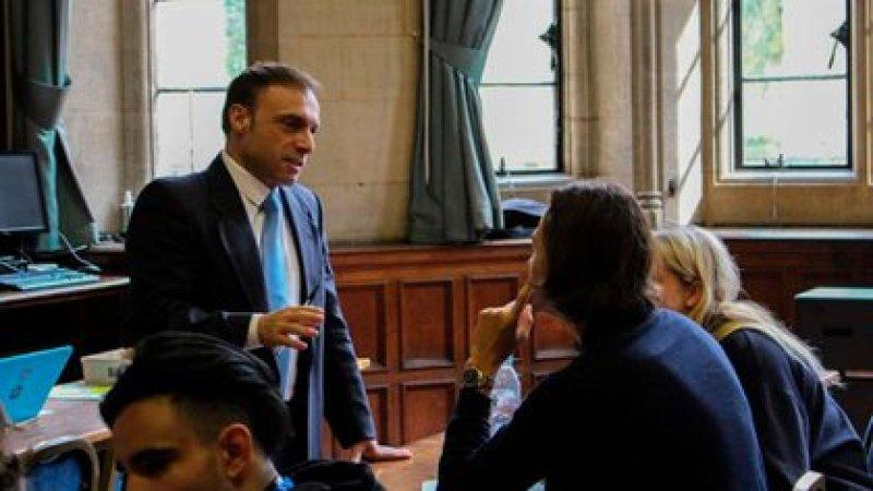 Cichello Hübner con alumnos en Oxford