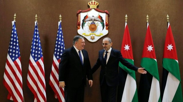 Pompeo junto a su homólogo jordano Ayman Safadi (Reuters)
