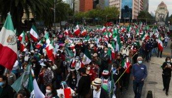 New march of FRENAAA (Photo: @armando_regil)