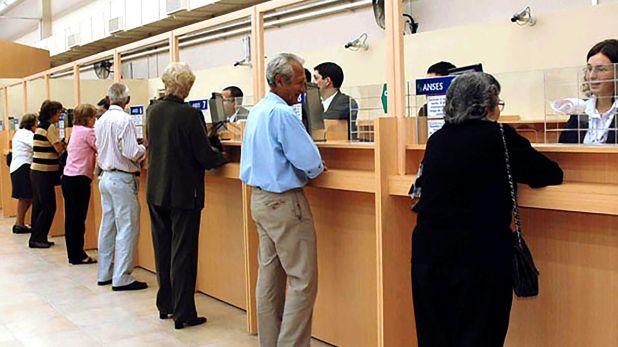 El aumento de las jubilaciones apunta a impulsar la demanda (Telam)
