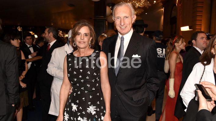 Bellas Artes Jorge Neuss y mujer Silvia Saravia marca