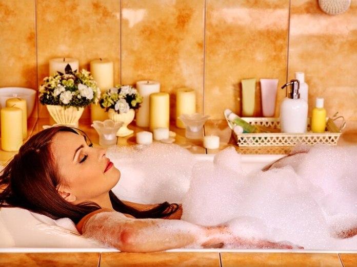 La hidroterapia aumenta la oxigenación de la sangre a través de la piel. Así, se puede disminuir el estrés y las tensiones