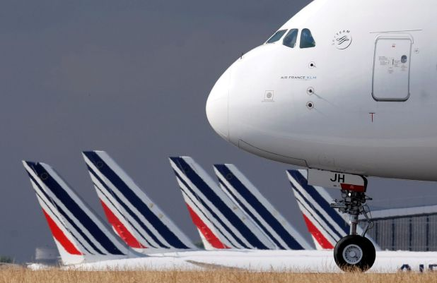 Air France prevé dos frecuencias semanales con la modalidad de vuelos especiales (REUTERS/Christian Hartmann/File Photo)
