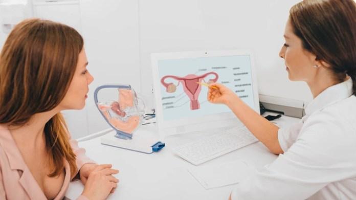 El papanicolaou podría ser reemplazado por un test de cáncer de cuello uterino a través de la orina o de secreciones vaginales (Shutterstock)