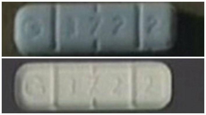 Foto superior, falso Xanax, foto inferior, un Xanax real (Foto: Pinellas County Sheriff's Office)