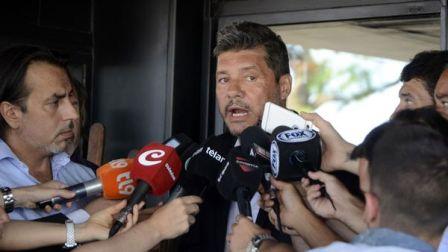 Marcelo Tinelli mantiene una postura diferente a la de Daniel Angelici (DyN)