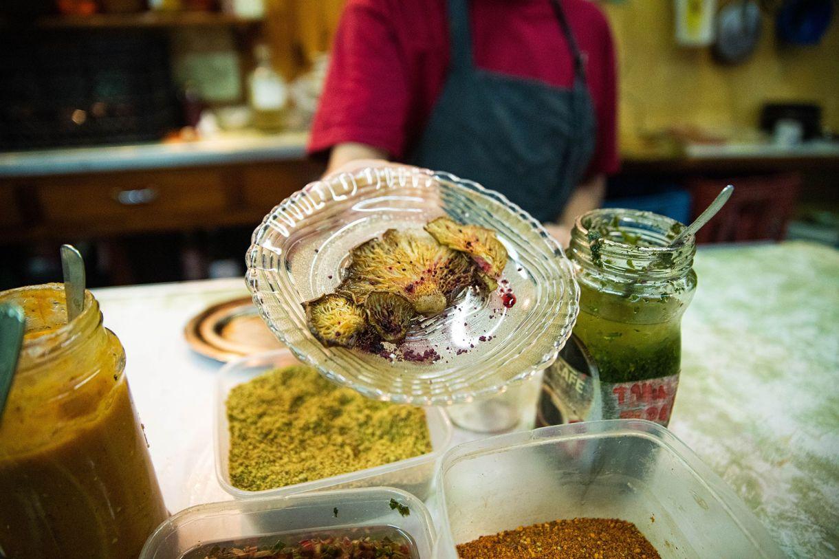 En Donnet se cocina con productos orgánicos y agroecológicos. Se trata del único restaurante que se especializa en hongos de diferentes variedades y con diferentes tipos de cocción