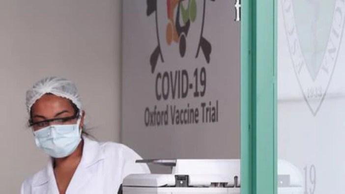 Los laboratorios de todo el mundo están siendo atacados por piratas informáticos en busca de información sobre el tratamiento del coronavirus. El de la universidad de Oxford, donde hay un desarrollo avanzado de una vacuna, también fue hackeado. REUTERS